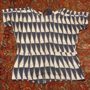 Gorgeous blue & white sail Figue Top